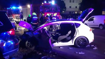 Négy személyautó ütközött a XVIII. kerületben, többen kórházba kerültek