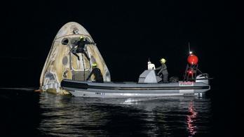 Sikeresen visszatért a SpaceX űrhajója a Nemzetközi Űrállomásról