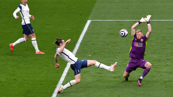 Bale triplázott, simán nyert a Tottenham