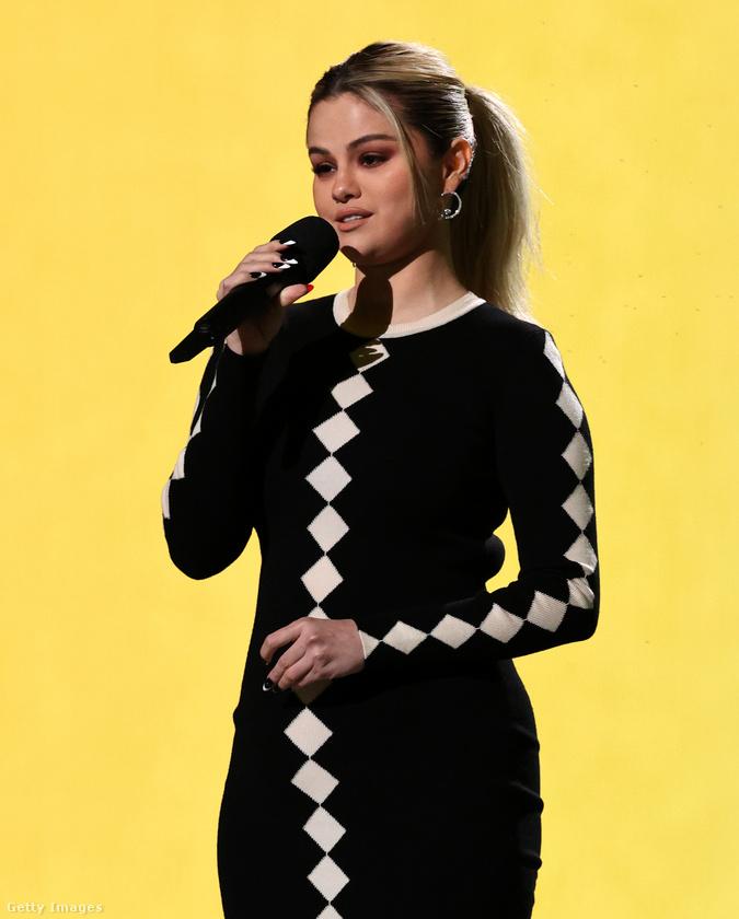 Ne de viccen kívül: az énekesnő nemrég jelentette be a lelki egészséggel kapcsolatos kezdeményezését, amely szeretne felvilágosító, segítő munkát végezni olyan fiatalok körében, akik depresszióval, szorongással küzdenek, és még nem mertek vagy tudtak segítséget kérni