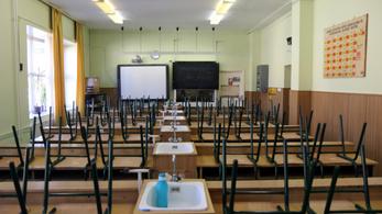 Öt hétre már nem mennének vissza az iskolába a diákok