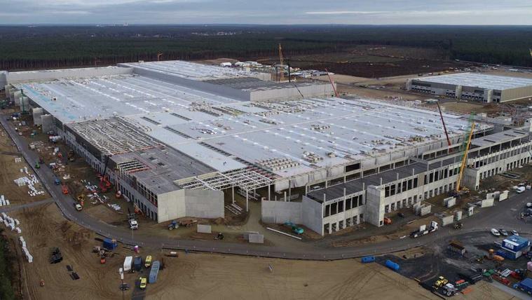 2022-re csúszhat a német Tesla gyár beindítása