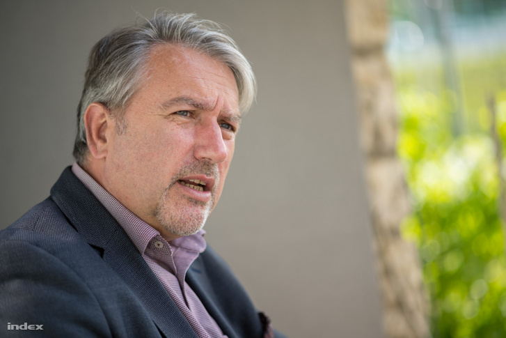 Tósoki Imre tihanyi polgármester