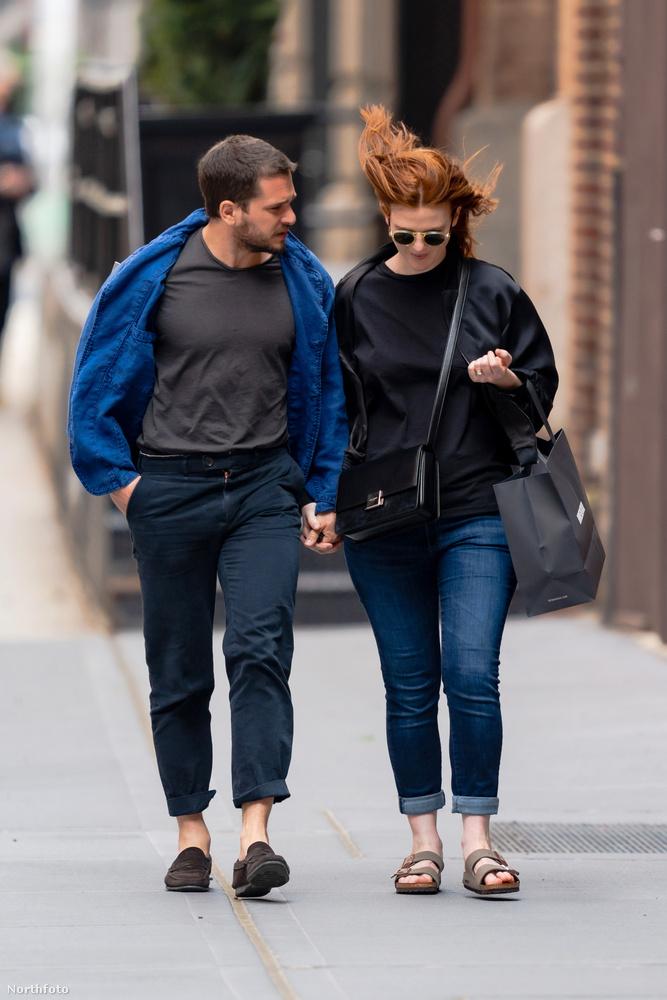 A színész-és házaspár 2018-ban házasodott össze, első gyerekük, egy fiú, két hónapos