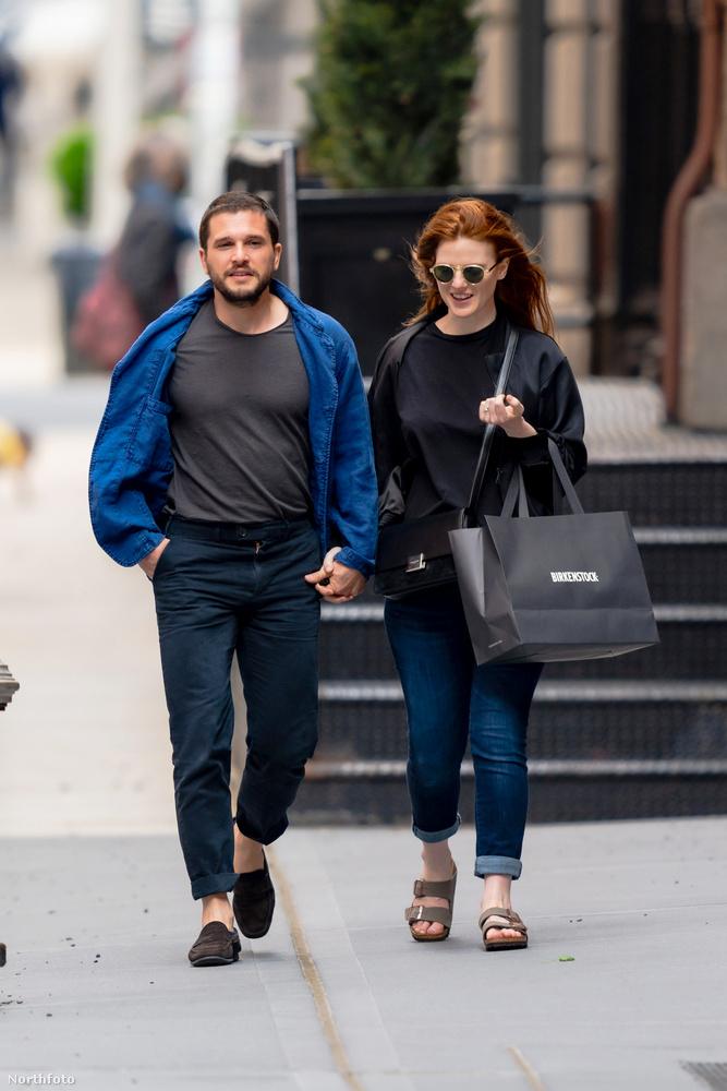 Kit Harington és Rose Leslie New Yorkban tartózkodnak éppen, április 30-án fotózták le őket az utcán