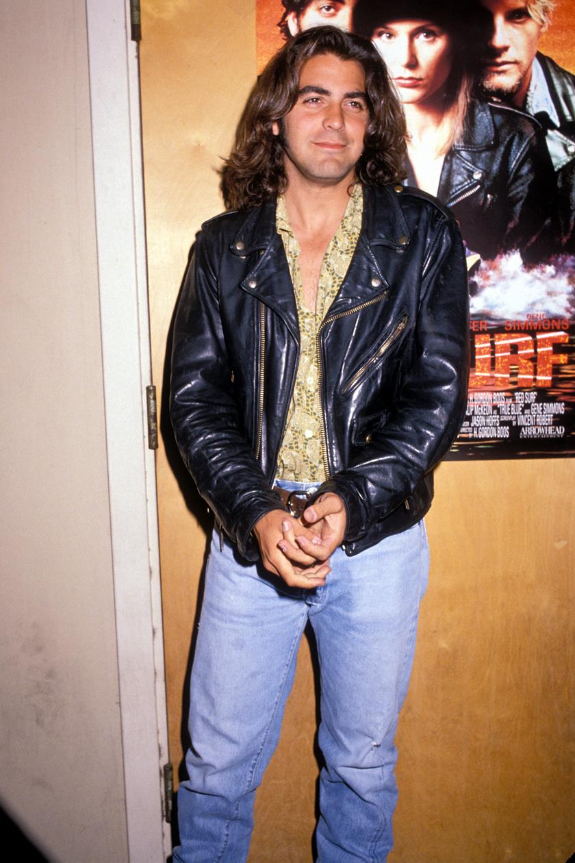 Az 1989-es Red Surf című filmjét hosszú loknikkal reklámozta. Hirtelen ránézésre Antonio Banderas jutott róla eszünkbe.