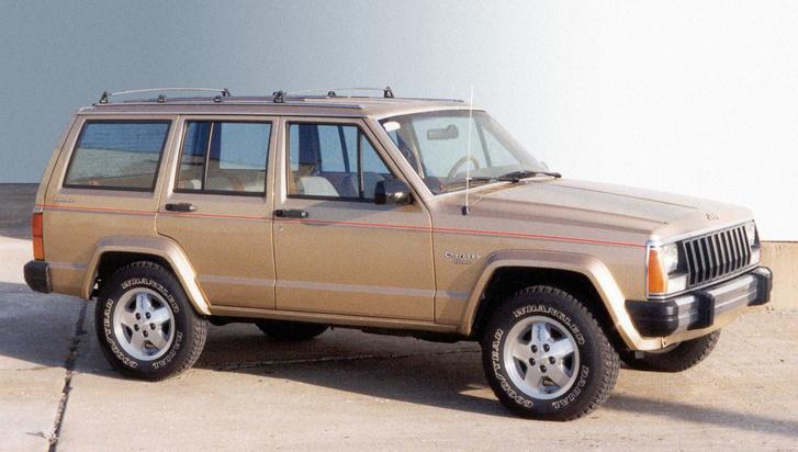 Minden szabadidő-autók első fecskéjének tekintik az 1984-ben bemutatott Jeep Cherokee-t. Természetesen alvázas, mint egy teherautó