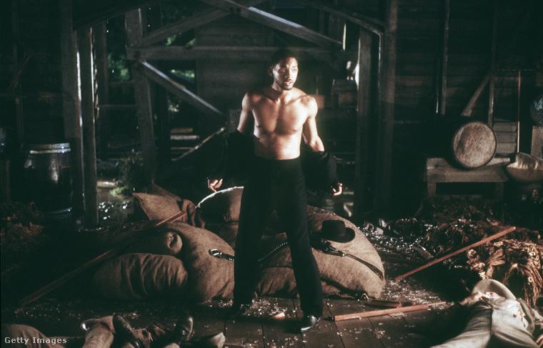 Will Smith a Wild Wild West című film egyik jelenetében (1998)