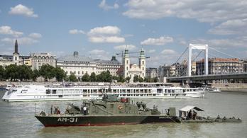 Katonai gyakorlatot tartanak a Dunánál, figyelmeztet a Honvédelmi Minisztérium