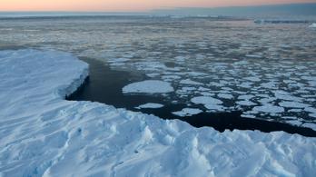 Olvad az antarktiszi jég, az évszázad végére 20 centivel emelkedhet a tengerszint