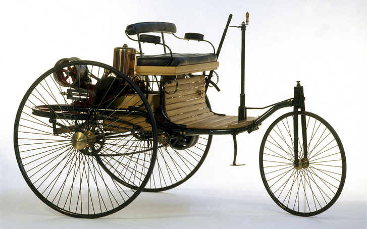 Az első szabadalmaztatott automobil, a Benz Patent-Motorwagen 1885-ből, megalkotója Carl Benz