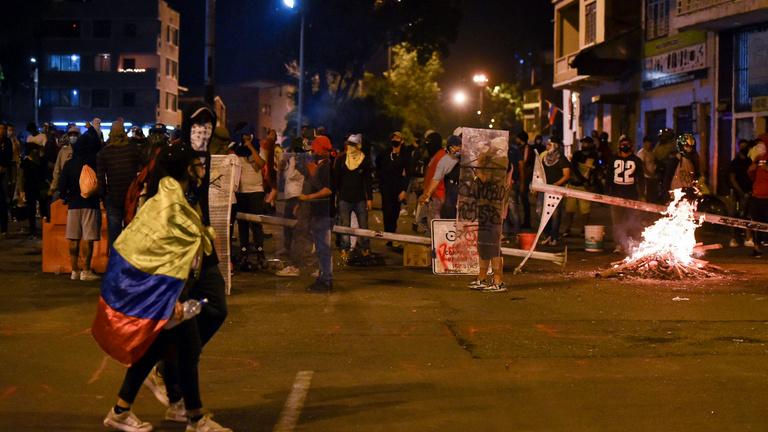 Tüntetnek a kolumbiai adóreform ellen, legalább tizenhét ember meghalt