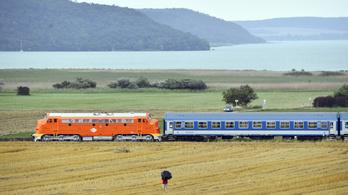 Indul a balatoni szezon a vasúton