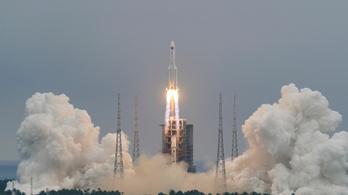 Elszabadult kínai rakéta tart a Föld felé