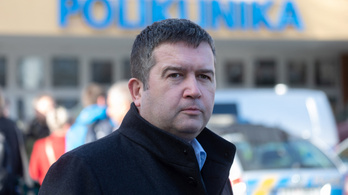 A miniszter el akarta tussolni a botrányt, hogy az ország kaphasson egymillió adag Szputnyik V vakcinát