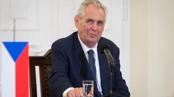 Túlságosan lejtett a pálya, módosult a cseh választási törvény