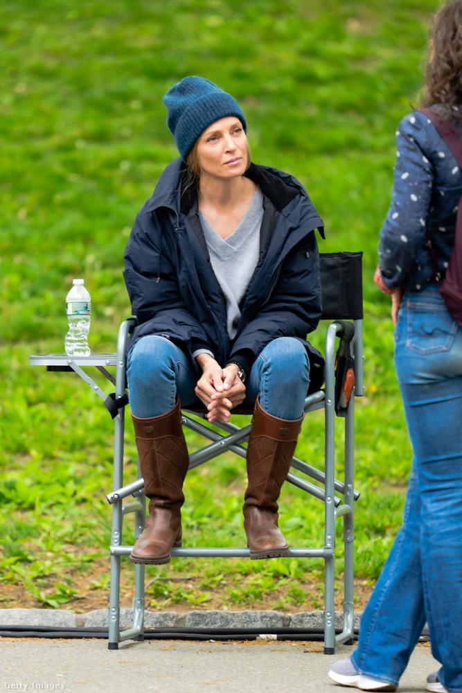 Uma Thurmant május 3-án a Central Parkban érte forgatáson a paparazzi.