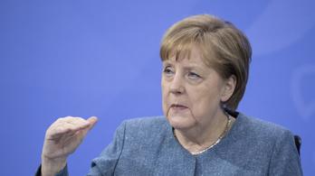 Merkel: Németország örökre felelős lesz a nácik bűneiért