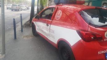 Vérszállító ütközött a budapesti Semmelweis Egyetemnél