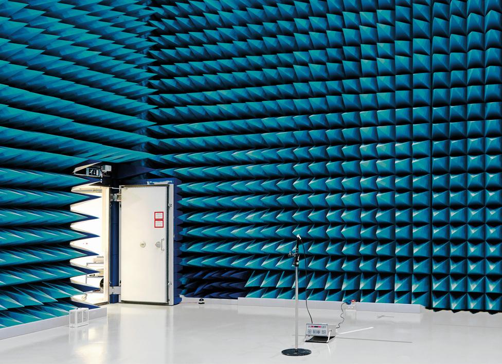 Visszhangmentes kamra, Európai Űrkutatási és Technológiai Központ [ESTEC], Noordwijk, Hollandia, 2008.                         A visszhangmentes kamra akusztikai kísérletek céljára tervezett szoba.