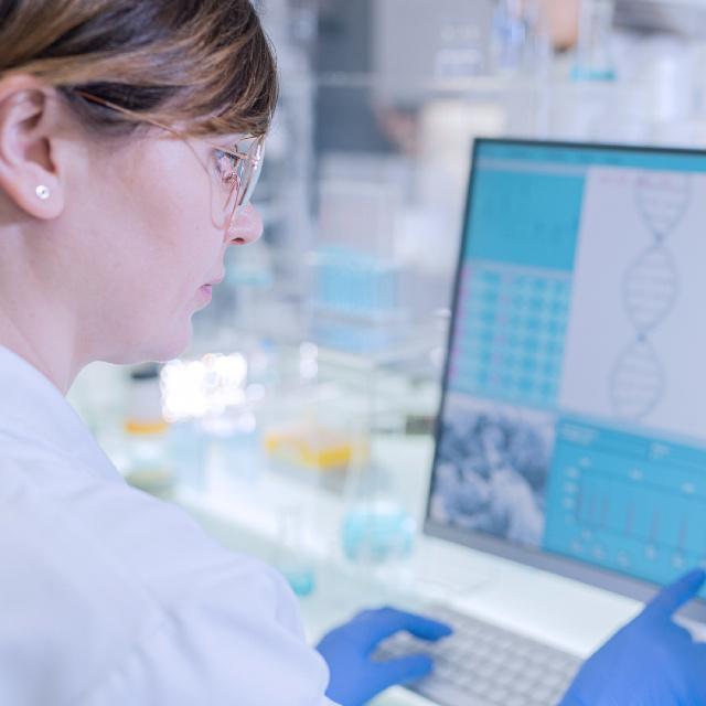Megtalálták a gént, ami az időskori rákot, demenciát előre jelezheti: magyar kutatók fedezték fel