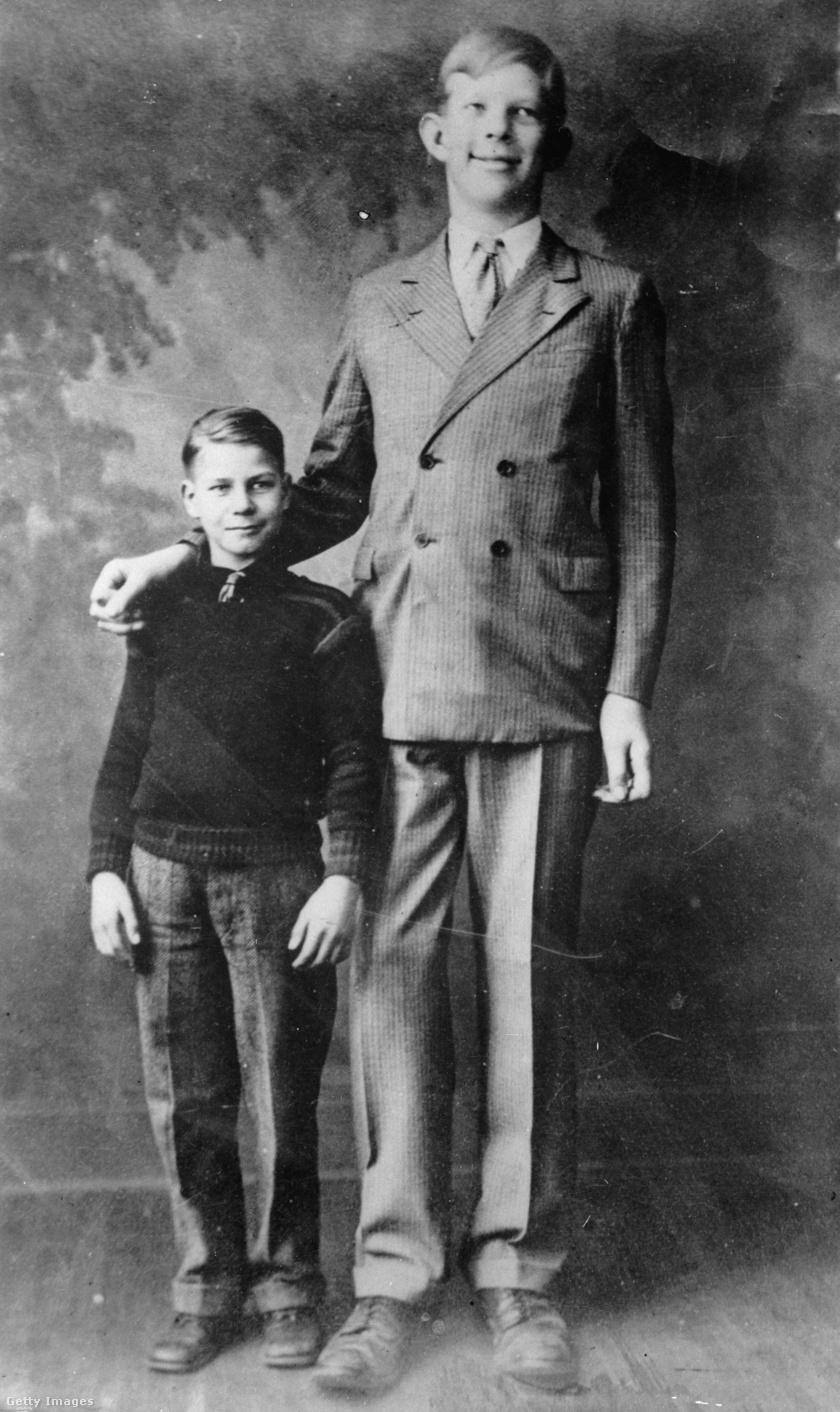 11 éves korában már jóval magasabb volt a kortársainál.
