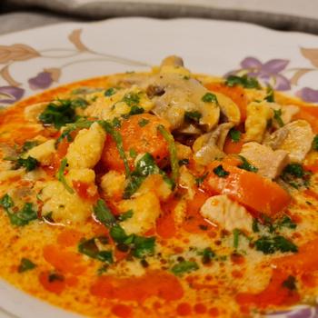 Laktató és nagyon finom bakonyi leves: puha csipetke is fő bele