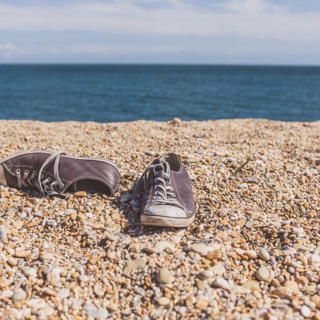 Megoldódhatott az elmúlt évek egyik legfurcsább rejtélye: senki nem tudta, miért mos emberi lábakat a partra a víz