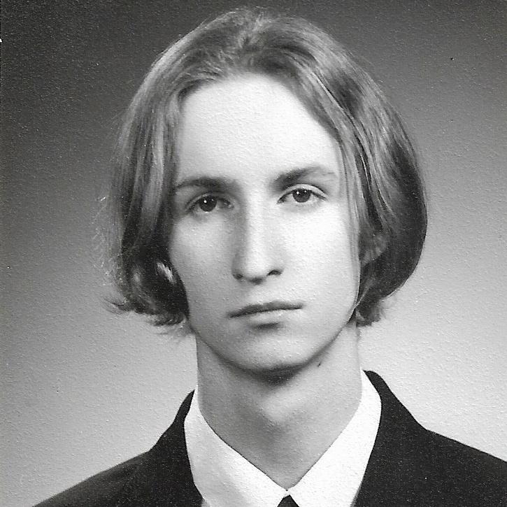 Ceglédi Zoltán politológus, publicista érettségi tablóképe