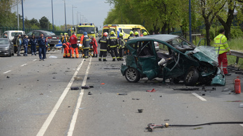 Négy autó ütközött a Ferihegyi úton