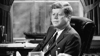 Eladók JFK szerelmes levelei