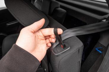 Sokkal nemesebb autókban is találunk ilyen leffentyűs nyitást