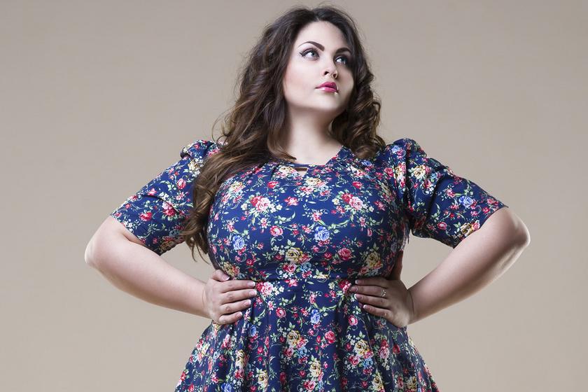 10 nőies egészruha, ami gyönyörűen fest a telt idomokon: a tavasz legdivatosabb darabjai