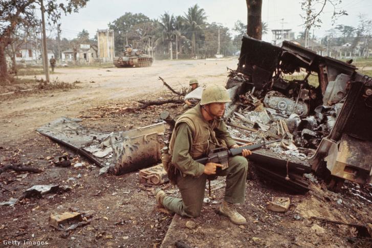 A vietnámi háborúból is kivették a részüket. Tengerészgyalogos Huéban