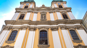 Soltész Miklós: A gazdaság újraindításában nagy szerepet kaphat a templomfelújítási program