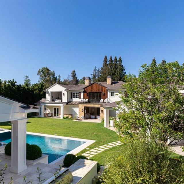 Óriási, és igazán stílusos farmházat vásárolt magának Madonna: nézd meg kívül-belül