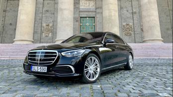 Mercedes S-osztály: az autózás csúcsa