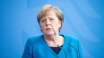 Angela Merkel: Véget nem érő kötelesség a nácik áldozataira emlékezni