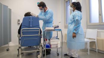 Emmi: aki nincs beoltva, maga fizeti a PCR-tesztet a halasztható beavatkozások előtt