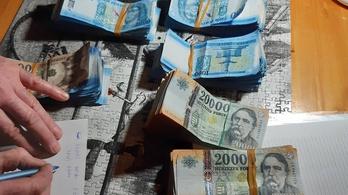 Ötmillió forintot lopott össze a MÁV jegykiadó automatáiból a cégnél dolgozó férfi