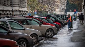 Fideszes polgármesterek is eltörölnék már az ingyenes parkolást
