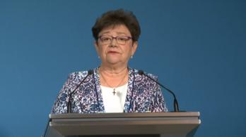 Müller Cecília: Igazolt hiányzásnak számít, ha valaki tanóra alatt megy beoltatni magát