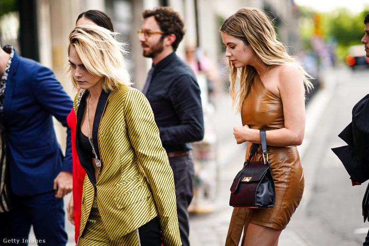 2018 májusában aztán Ashley Benson színésznő egy szelfit posztolt Delevingne-vel, akivel a Her Smell hozta össze