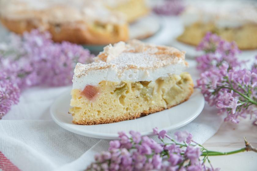 Omlós almás, rebarbarás süti: vastag habbal a tetején az igazi