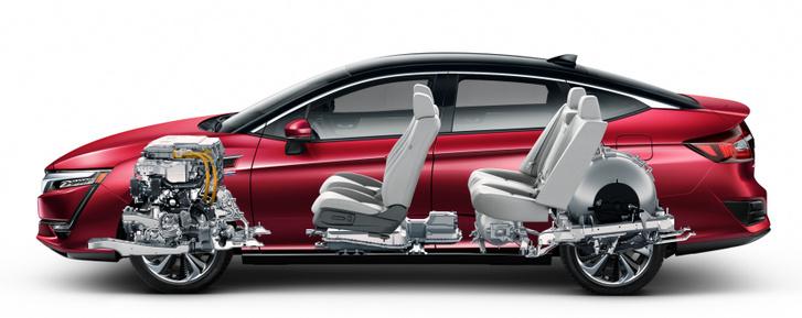 A Honda Clarityben a teljes hajtásegységet elöl, míg a hidrogéntartályt hátul helyezték el