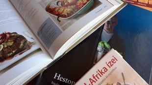 Szakácskönyvekről, recept-gyűjteményekről és albumok-ról