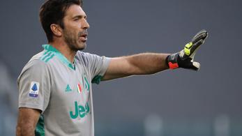 Buffon távozik a Juventustól, de nem akar visszavonulni