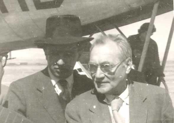 John Grierson (j) filmrendező 1955-ben