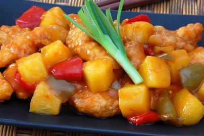 Pikáns csirkemell édes-savanyú mártással – Ananásszal lesz az igazi