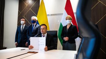 Szijjártó Péter oktatási megállapodásokat írt alá Kolumbiával